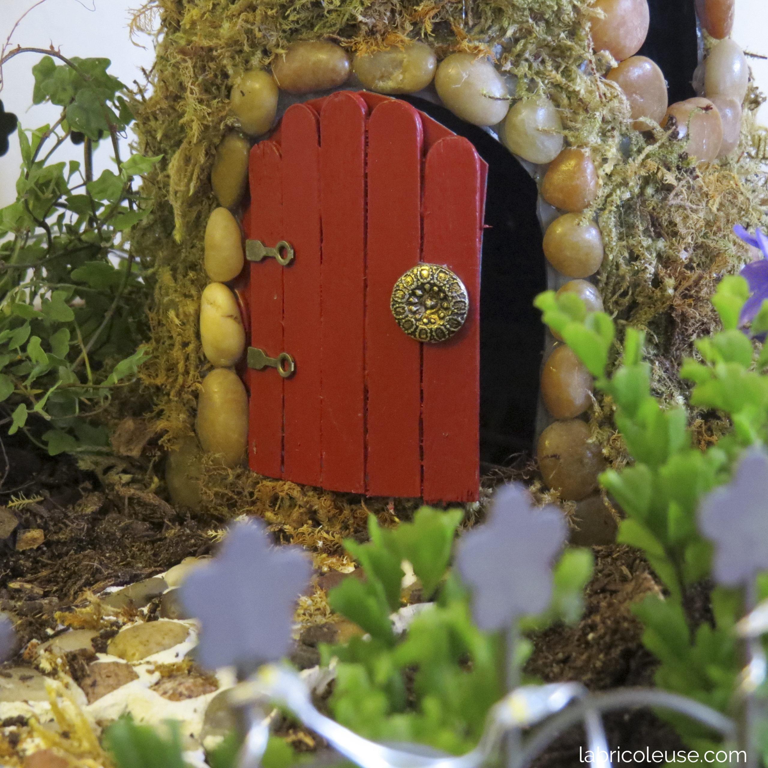 Porte d'une maison de fée