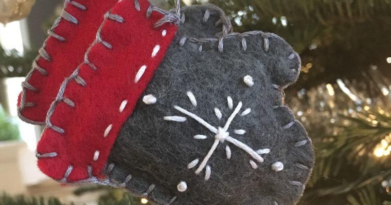 Mitaines en feutrine: Ornement de Noël